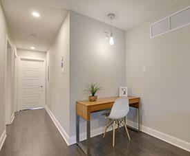 Profitez d'un espace bureau dans votre condos du projet Pointe-Est, à Pointe-aux-Trembles.