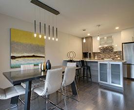 Exemple d'une salle à manger  d'un condo dans le projet Pointe-Est, à Pointe-aux-Trembles.